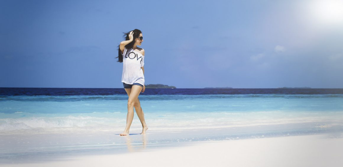 photo shoot with model on maldives beaches