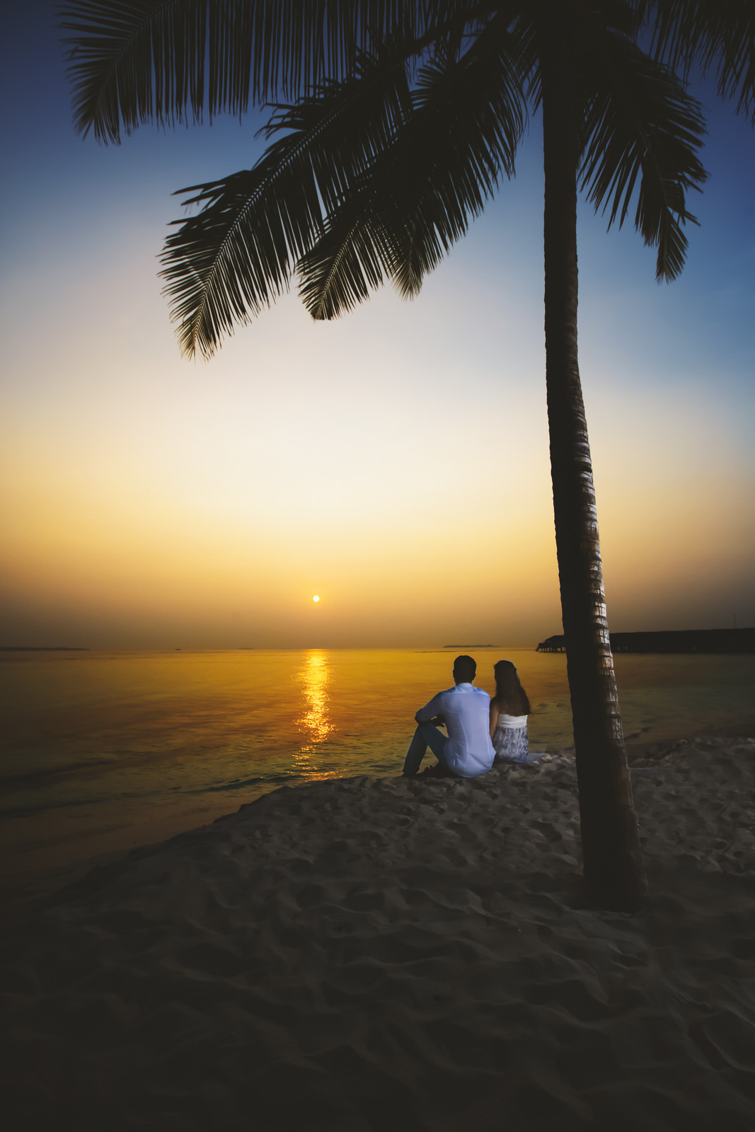 holiday romance sunset photography in islands of maldives
