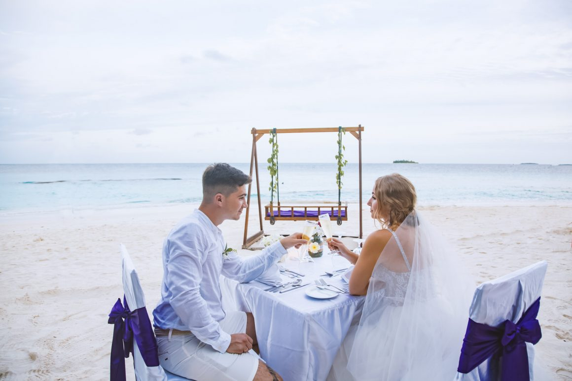 photography of documentary romantic wedding dinner on maldives beaches