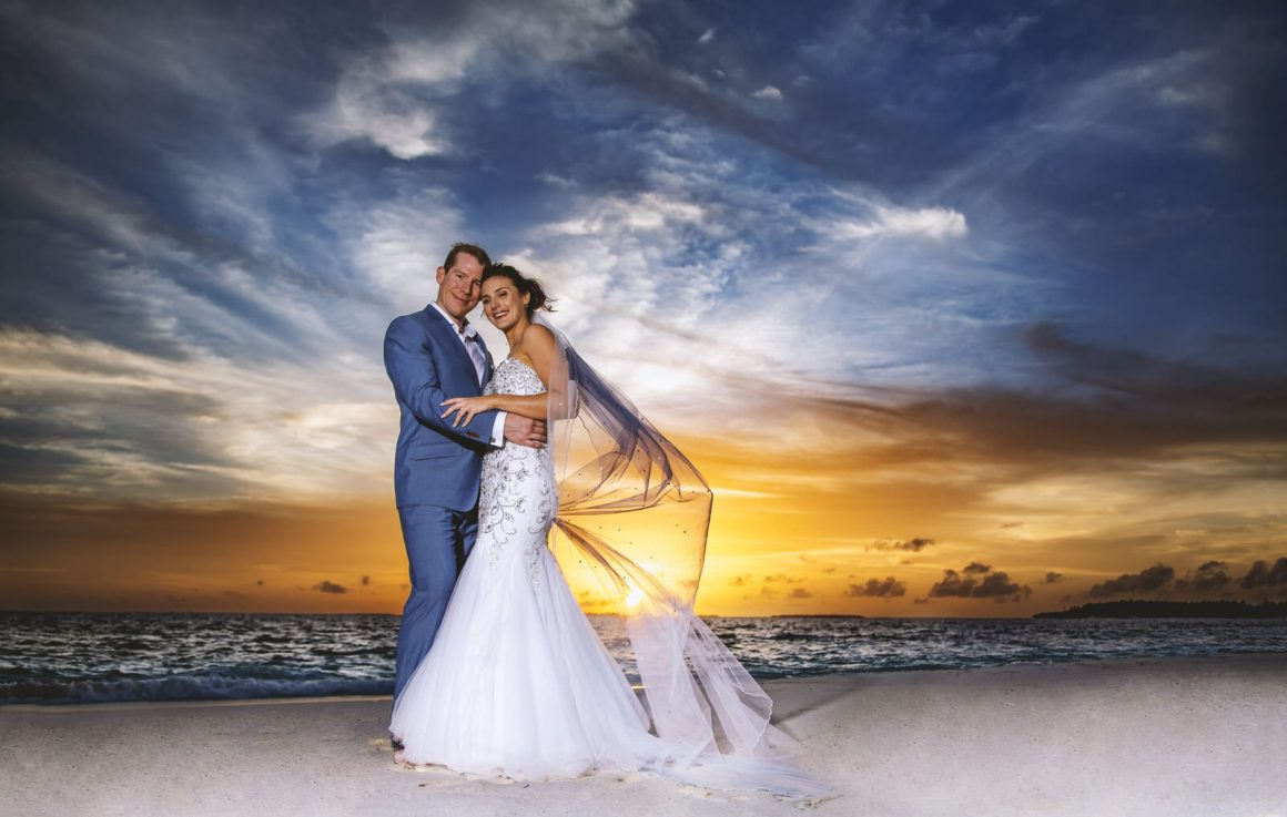 photographer capture your sunset wedding memories in maldives