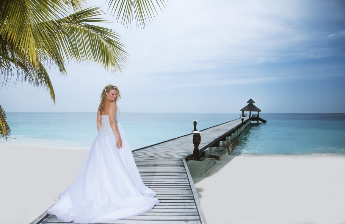 Wedding bride island view Maldives photo
