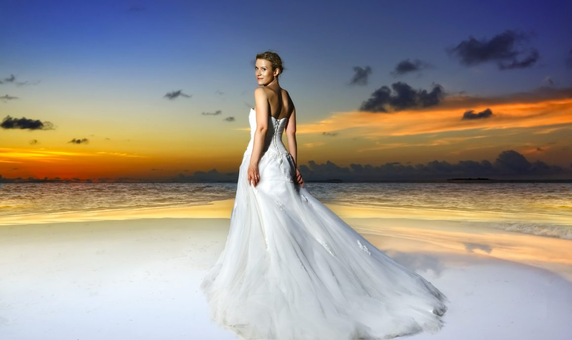 bride and beautiful maldives sunset photography